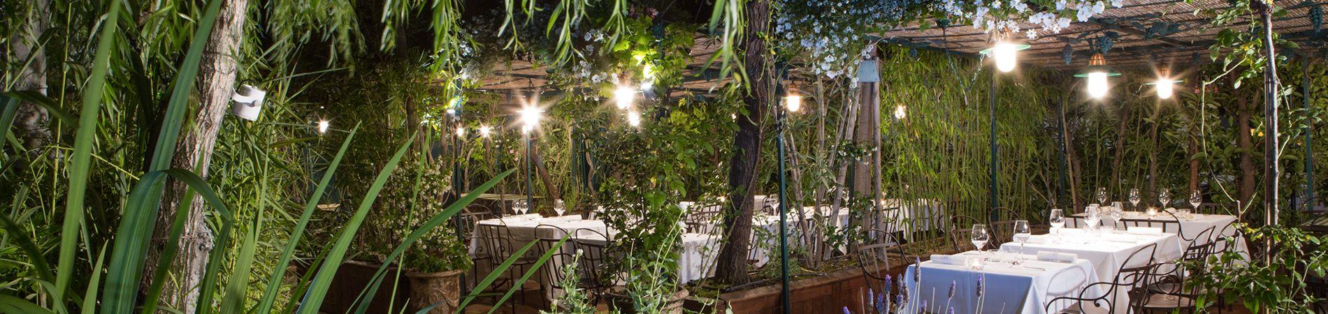 momento excepcional en los jardines restaurante grands buffets