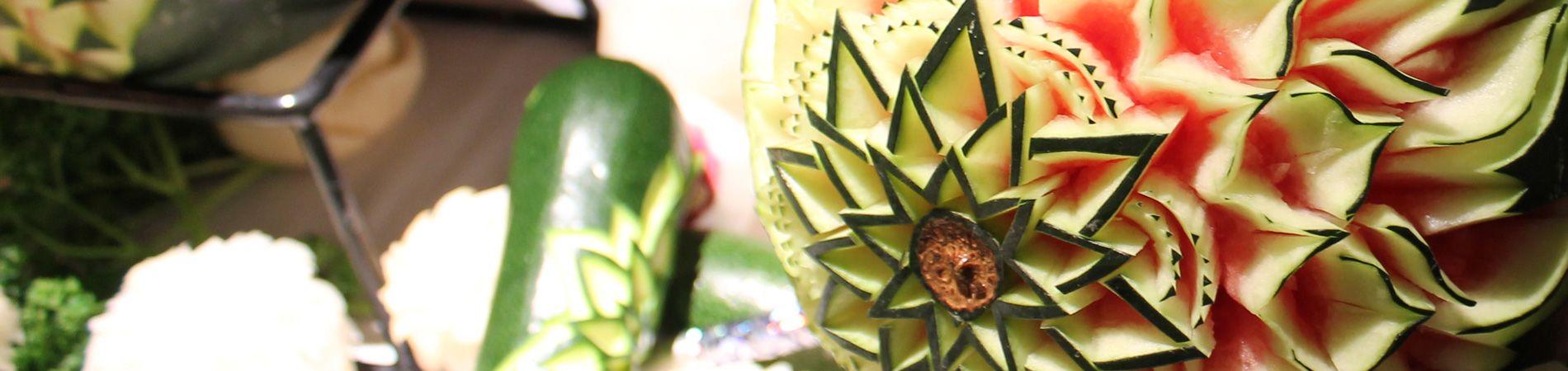 La sculpture sur fruits et légumes aux Grands buffets