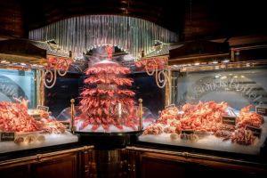 La cascade de homards et les fruits de mer aux Grands Buffets